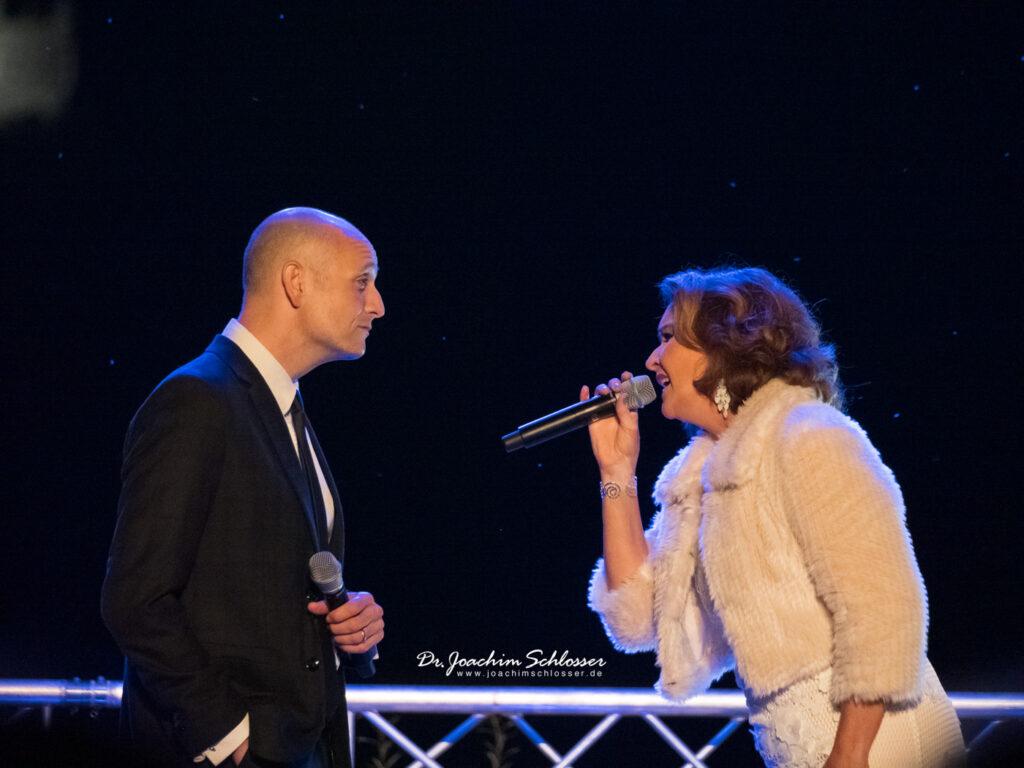 Drew Sarich und Maya Hakvoort im Duett in Füssen